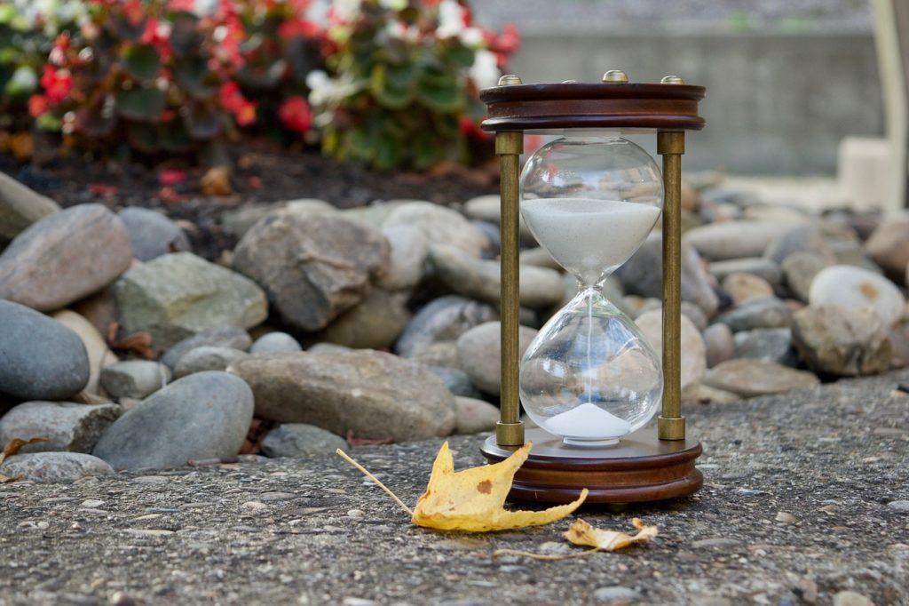 【時間を考慮した投資戦略】人生の体感速度は年齢の逆数に比例する