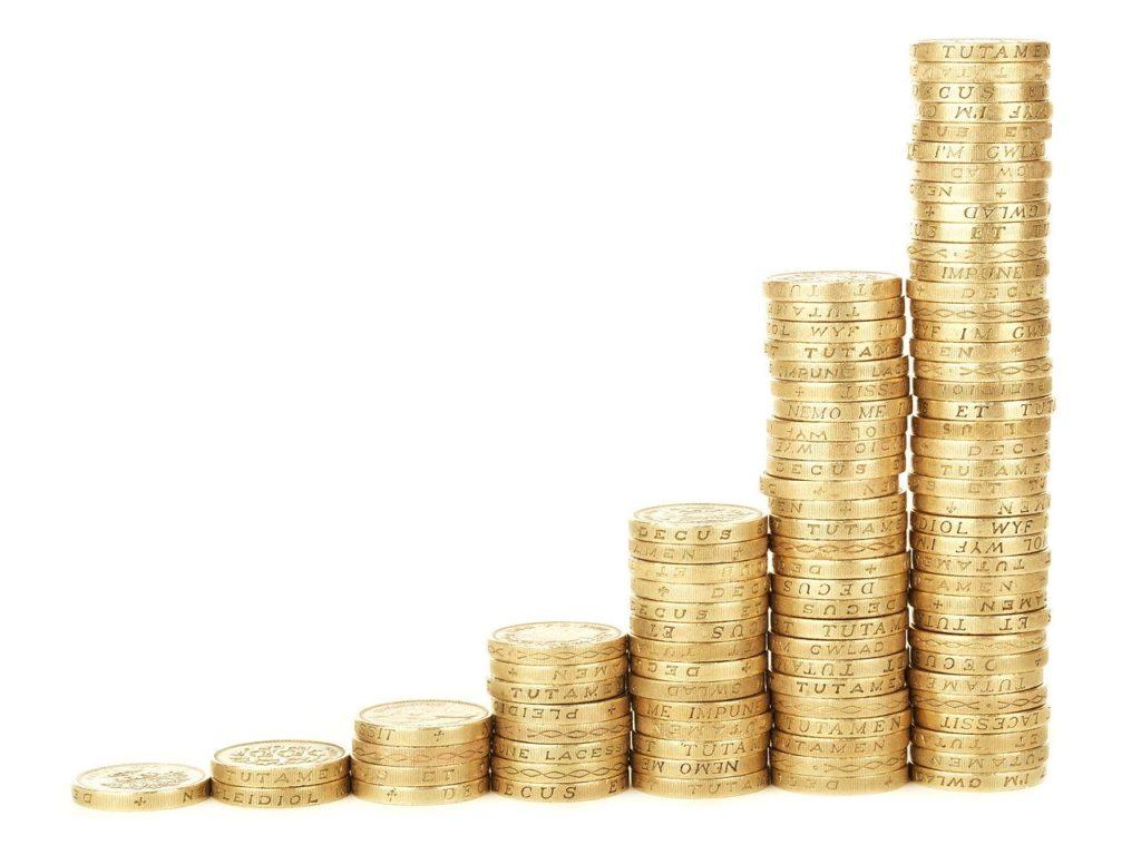 1年間に10万円の配当金を目指す場合、いくら必要か